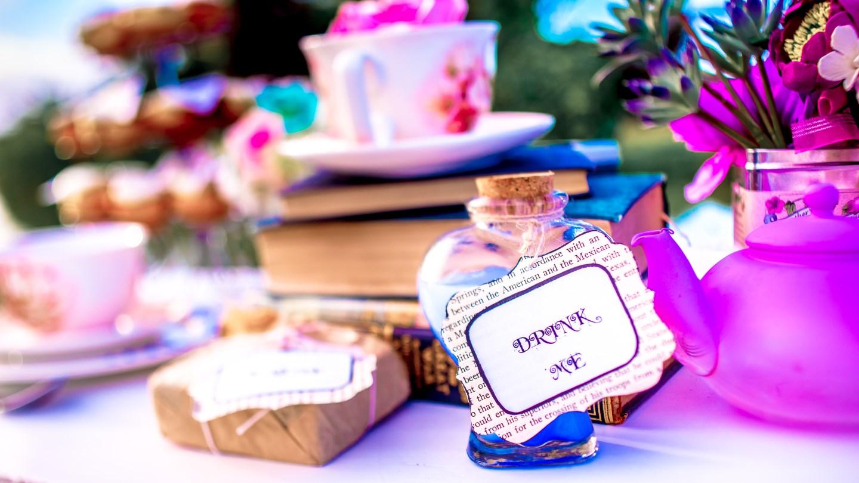 Whimsical Alice in Wonderland themed Photo Shoot - Caribbean Wedding ...
