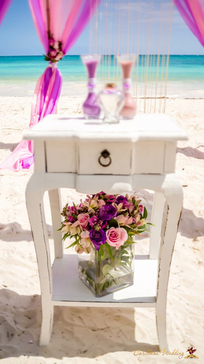 shabby chic cap cana beach wedding caribbean wedding blog. Black Bedroom Furniture Sets. Home Design Ideas