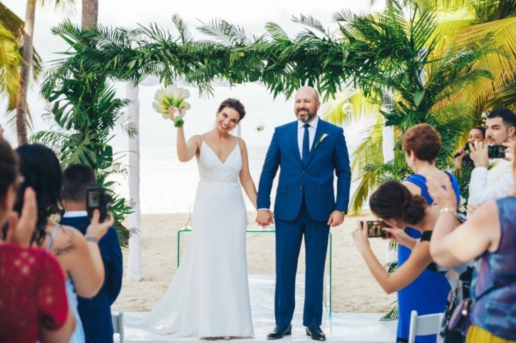 Gorgeous tropical wedding in Pearl Beach club {Fatima and Burak}