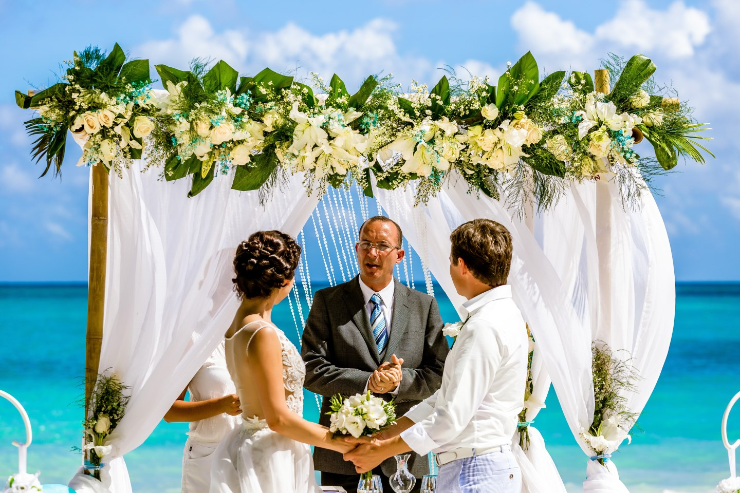 dating and marriage customs in the dominican republic