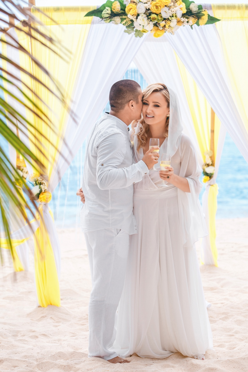 Citrus Themed Wedding on Colibri beach in the beautiful Dominican ...