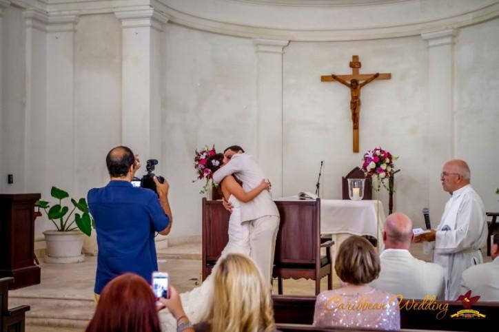 vadba-v-cerkvi-v-dominikanskoy-respublike-16