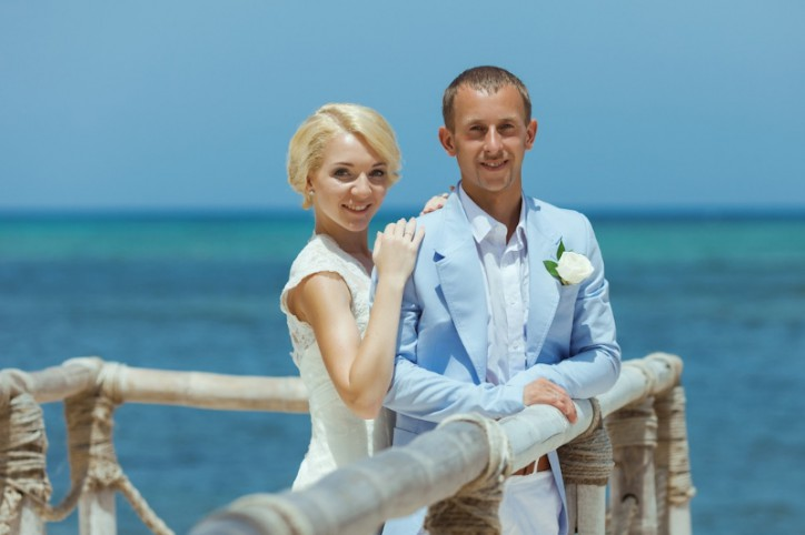 WEDDING CEREMONY ON THE COLIBRI BEACH